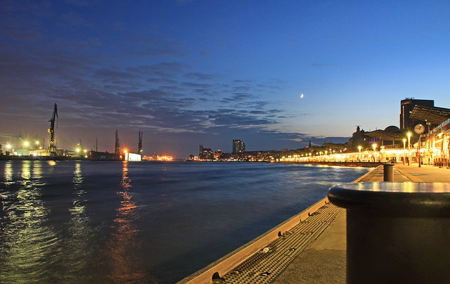 Abendliche Stimmung an den Landungsbrücken